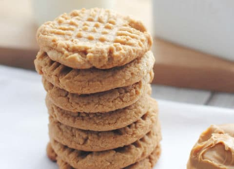 We love easy, delicious recipes at Craft Create Cook and these 3 ingredient peanut butter cookies are no exception, plus they're gluten free!