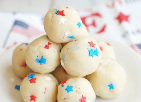 With only 2 ingredients these no bake Patriotic Cookie Dough Truffles are a quick, fun, and easy treat for the fourth of July!