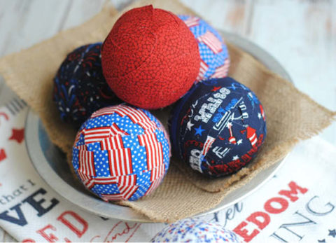 These quick and easy Patriotic Rag Balls will be perfect for your holiday table decor!