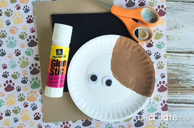 Kids will love this easy Secret Life of Pets craft!