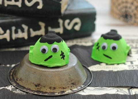 The kids will love this easy Halloween Frankenstein craft!