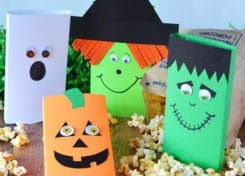 Your kids will love making these easy Halloween treats to give to their friends, classmates, neighbors or teachers.